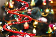 Kerstmisdecoratie op vage Kerstboomachtergrond royalty-vrije stock foto