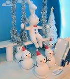 Kerstmisdecoratie in Popcornwinkelcomplex Stock Foto's