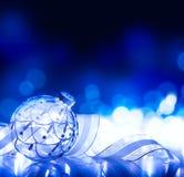 Kerstmisdecoratie van de kunst op blauwe achtergrond Stock Fotografie