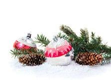 Kerstmisdecoratie van Kerstbomen en kegels Stock Foto