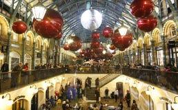 2013, Kerstmisdecoratie van Londen, Covent-Tuin Stock Foto's