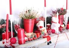 Kerstmisdecoratie van open haard stock foto's