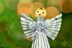 Kerstmisdecoratie, zilveren die engel van stro wordt gemaakt stock afbeelding