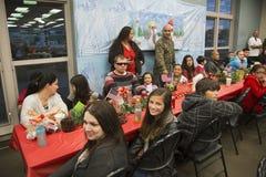 Kerstmisdiner voor de Militairen van de V.S. op Gewond Strijderscentrum, Kamp Pendleton, het Noorden van San Diego, Californië, d royalty-vrije stock fotografie