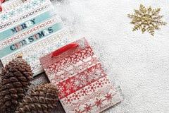 Kerstmisdocument zakken en koekjes Stock Afbeelding