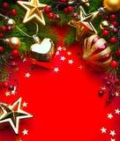 Kerstmisframe van de kunst op rode achtergrond Stock Afbeeldingen