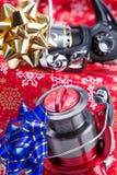 Kerstmisgift in doos voor vissers stock foto's