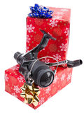 Kerstmisgift in doos voor vissers royalty-vrije stock afbeeldingen