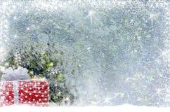 Kerstmisgift op de sneeuw Stock Fotografie