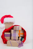 Kerstmisgiften in de zak Stock Foto