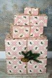 Kerstmisgiften en dozen Stock Foto's