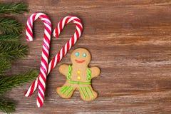 Kerstmisgrens op de houten achtergrond Stock Afbeelding
