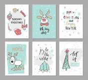Kerstmishand getrokken leuke kaarten met rendier, bomen, suikergoed, vuisthandschoen, vogel en andere punten Vector illustratie royalty-vrije illustratie
