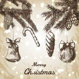 Kerstmishand getrokken vectorillustratie - de Decoratieve ornamenten, de takken en de denneappels schetsen, uitstekende stijl bru Royalty-vrije Stock Afbeeldingen