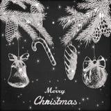 Kerstmishand getrokken vectorillustratie - de Decoratieve ornamenten, de takken en de denneappels schetsen, uitstekende stijl gru Stock Afbeelding