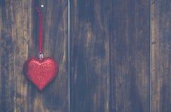 Kerstmishart het hangen royalty-vrije stock afbeelding