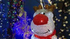 Kerstmisherten op achtergrondslingers stock videobeelden