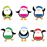 Kerstmisillustratie met leuke kleurrijke pinguïn geschikt voor de stickerreeks van kinderenkerstmis en klemart. Stock Afbeelding