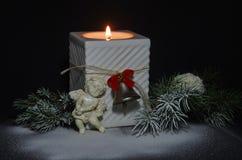 Kerstmiskaars met een Engel Royalty-vrije Stock Afbeeldingen