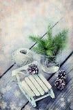 Kerstmiskader met houten decoratie uitstekende achtergrond met Royalty-vrije Stock Foto