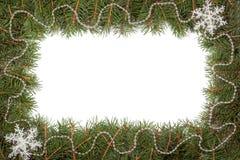 Kerstmiskader van spartakken wordt gemaakt met parels worden en sneeuwvlok op witte achtergrond wordt geïsoleerd verfraaid die Stock Afbeelding