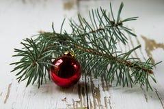 Kerstmiskerstmis stelt en speelgoed dat op witte achtergrond wordt geïsoleerd voor Stock Fotografie
