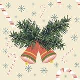 Kerstmisklokken met suikergoedriet en sneeuwvlokken Stock Foto