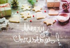 Kerstmiskoekjes en giften Stock Fotografie