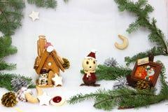 Kerstmiskoekjes en sneeuwman Stock Foto