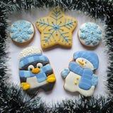 Kerstmiskoekjes, peperkoek voor Nieuwjaar, Sneeuwman Stock Afbeelding