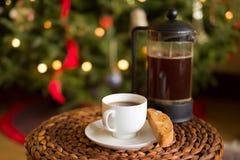 Kerstmiskoffie en Biscotti Royalty-vrije Stock Fotografie