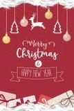 Kerstmiskroon en het gelukkige nieuwe rood van jaarlinten verfraaid Stock Afbeeldingen