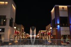 Kerstmislichten en Decoratie bij Dix30-Winkelcomplex Brossard Stock Foto's