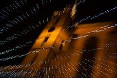 Kerstmislichten en kerk Royalty-vrije Stock Foto