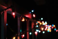 Kerstmislichten op een spoor Royalty-vrije Stock Foto's