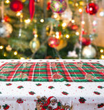 Kerstmislijst altijdgroene tak en bal Royalty-vrije Stock Fotografie