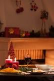 Kerstmislijst altijdgroene tak en bal Stock Afbeeldingen