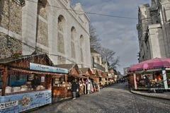 Kerstmismarkt bij Butte Montmartre, Parijs Stock Foto's