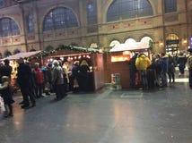 Kerstmismarkt bij de Hoofdpost van Zürich royalty-vrije stock afbeelding