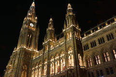 Kerstmismarkt bij het Stadhuis van Wenen Stock Fotografie