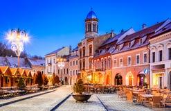 Kerstmismarkt, Brasov, Transsylvanië, Roemenië royalty-vrije stock foto's