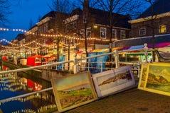 Kerstmismarkt in de Nederlandse stad van Delft royalty-vrije stock fotografie