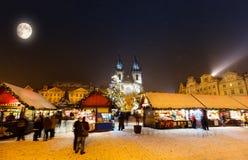 Kerstmismarkt in Oldtown-vierkant, Praag Stock Fotografie