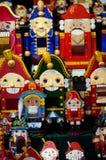 Kerstmismarkt in Rood Vierkant, Moskou Verkoop van speelgoed, beroemde en populaire sprookjekarakters, beeldjes nutcracker stock afbeelding