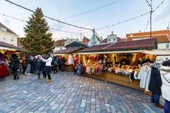 Kerstmismarkt in Tallinn, Estland op December 2017 Royalty-vrije Stock Afbeeldingen