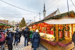 Kerstmismarkt in Tallinn, Estland op December 2017 Royalty-vrije Stock Foto's
