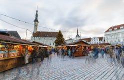 Kerstmismarkt in Tallinn, Estland op December 2017 Stock Foto's