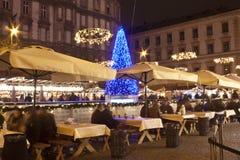 Kerstmismarkt vóór de Basiliek royalty-vrije stock afbeeldingen