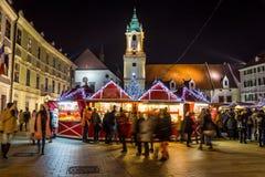 Kerstmismarkt van Bratislava stock foto's