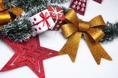 Kerstmismateriaal met lichte achtergrond Royalty-vrije Stock Foto's